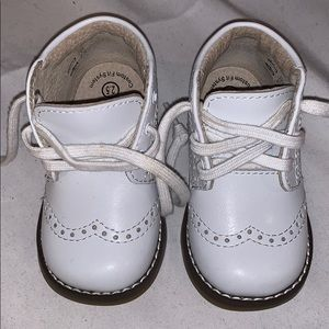 Footmates baby walking shoes medium size 2.5